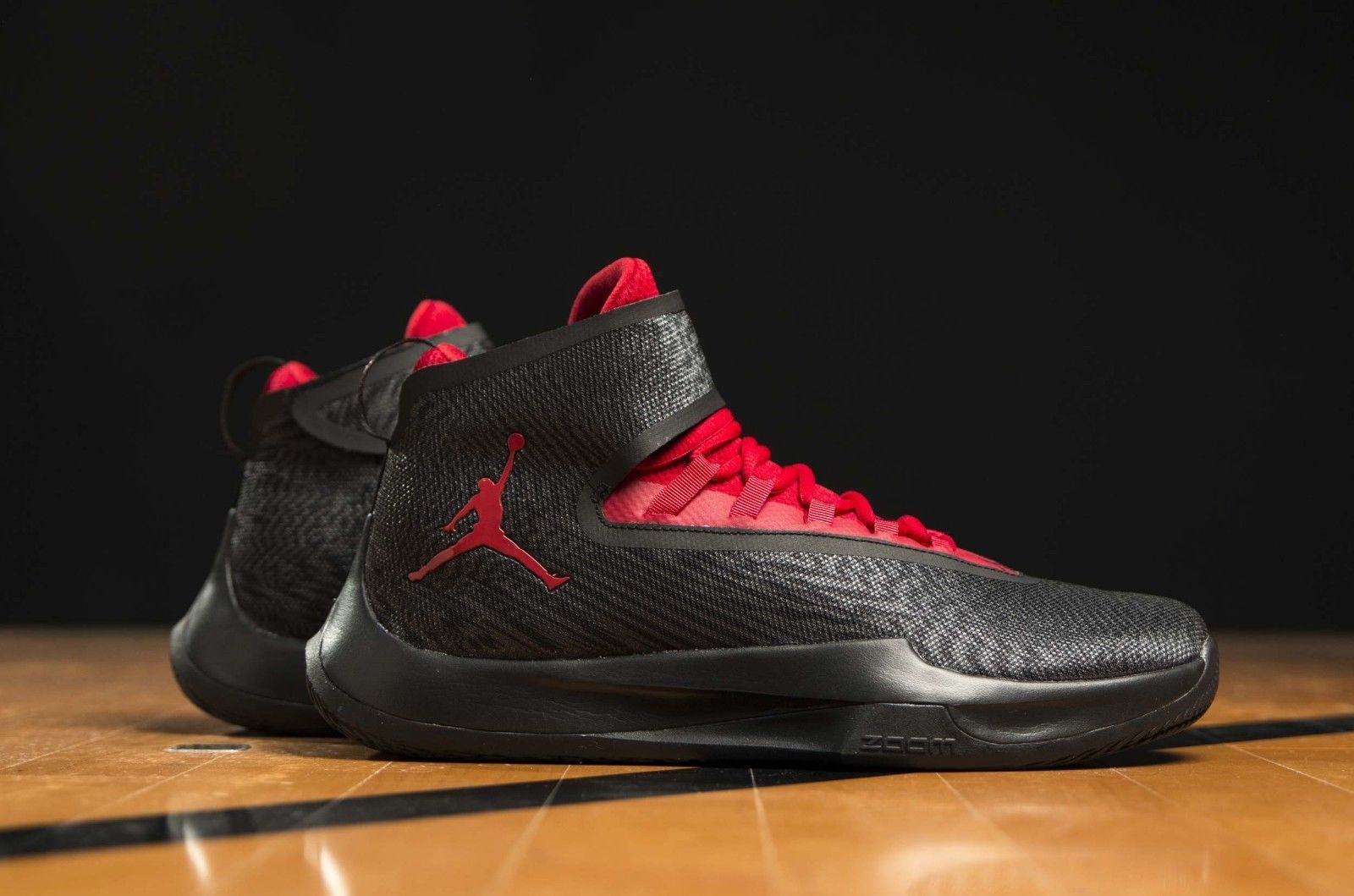 0db76a2a930e New Men s Jordan Fly Unlimited Black Gym Red Basketball Shoes AA1282-011  Size 13