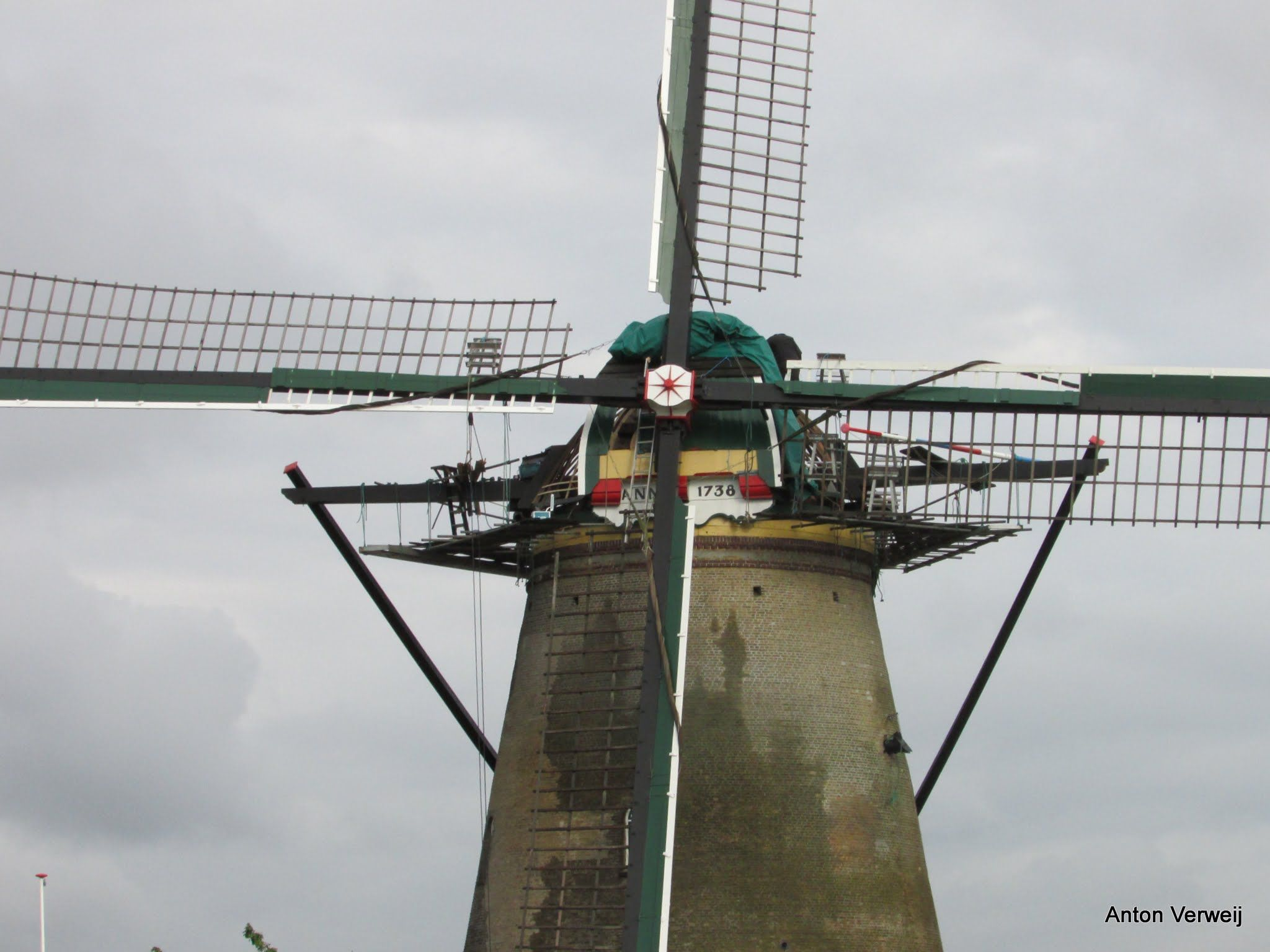 Onttakeld ... http://godisindestilte.blogspot.nl/2015/06/onttakeld.html
