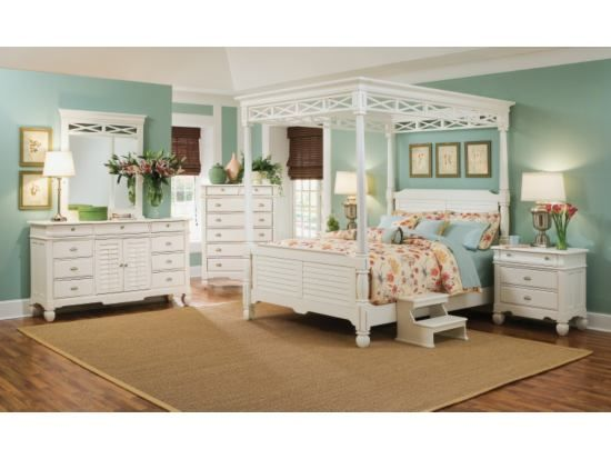 An Elegant But Not To Fussy Looking Master Bedroom Plantation Cove White  5 PC Canopy