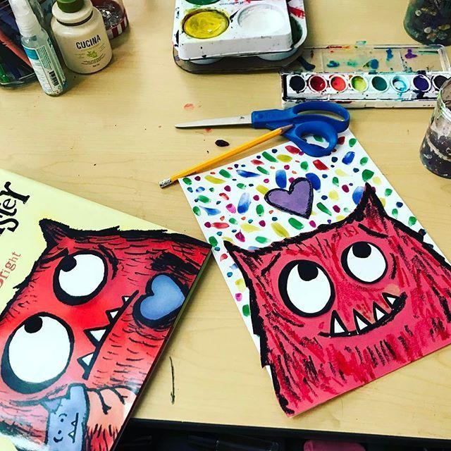 Pokój artystyczny DECS Yvette Ackerman na Instagramie Dzisiaj spędziłam trochę czasu na rozwijaniu lekcji sztuki o potworach miłosnych dla moich klas trzecich Jest...