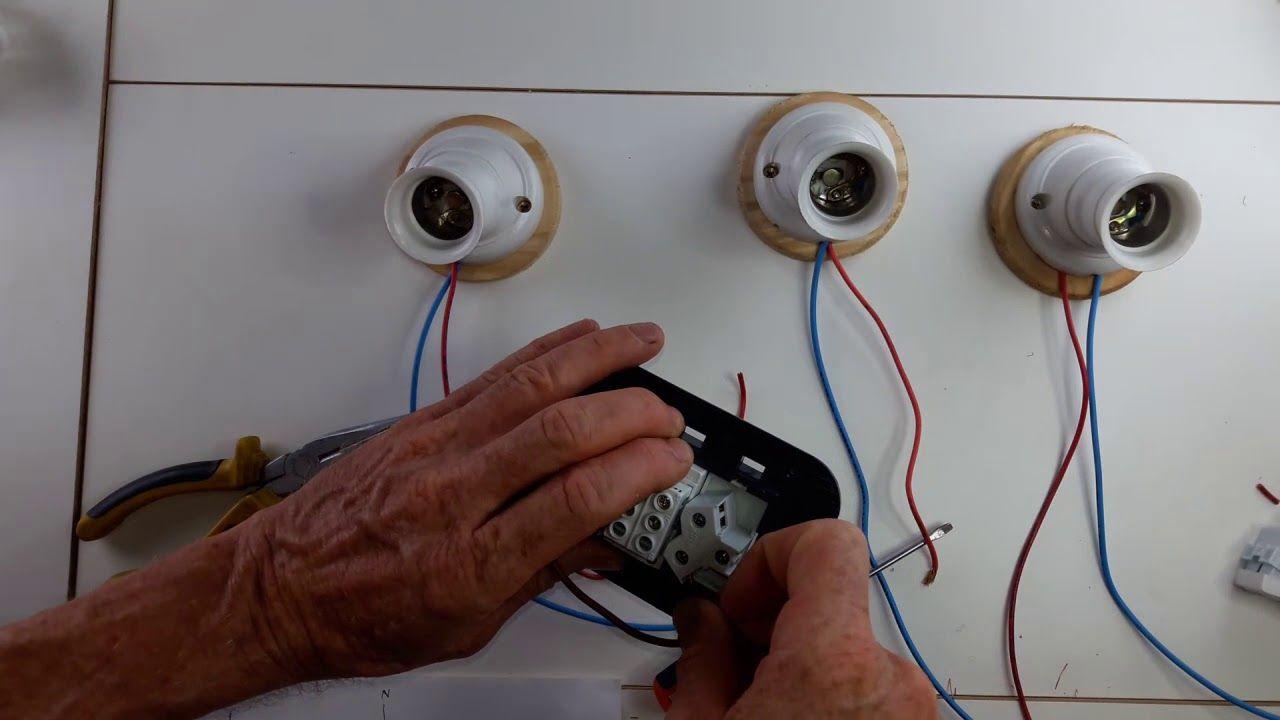 Como Conectar Tres Llaves De Luz Y Un Enchufe Conecciones Electricas Proyectos Eléctricos Enchufe