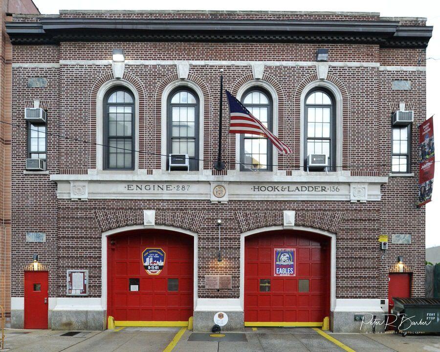 Fdny Engine 287 Ladder 136 Battalion 46 Elmhurst Eagles Queens House Fire Fire Station Fire Service