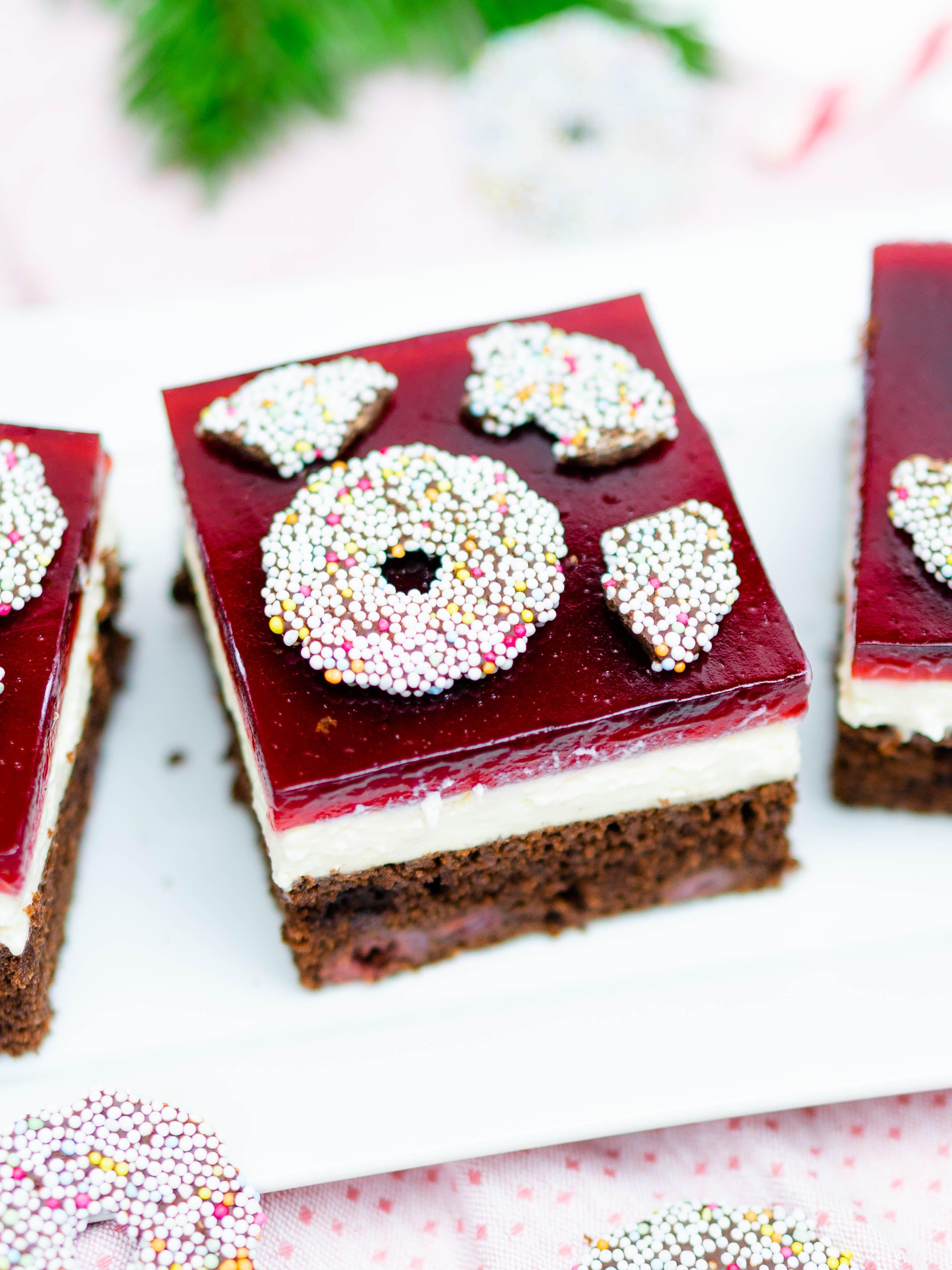 weihnachten rezepte #weihnachten Der perfekte Blechkuchen fr Weihnachten: Rezept fr Punschschnitten mit Kirschen