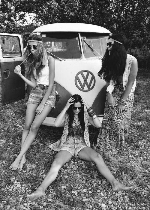 Hippie Bus Love @Esther Aduriz Émond  On va ressembler à ça cet été... un trio d'enfer ahah.