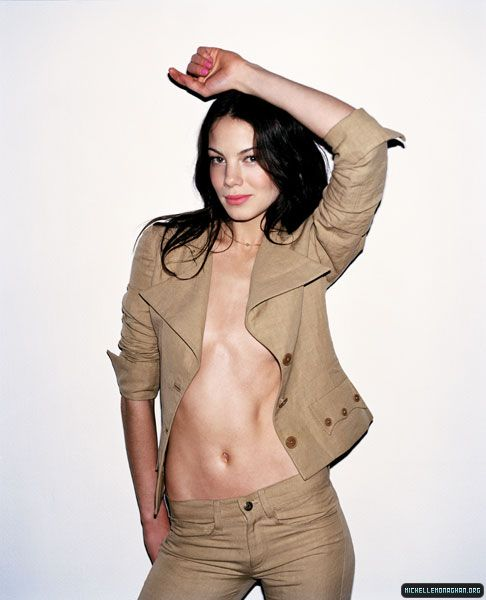 michelle monaghan swimming naked