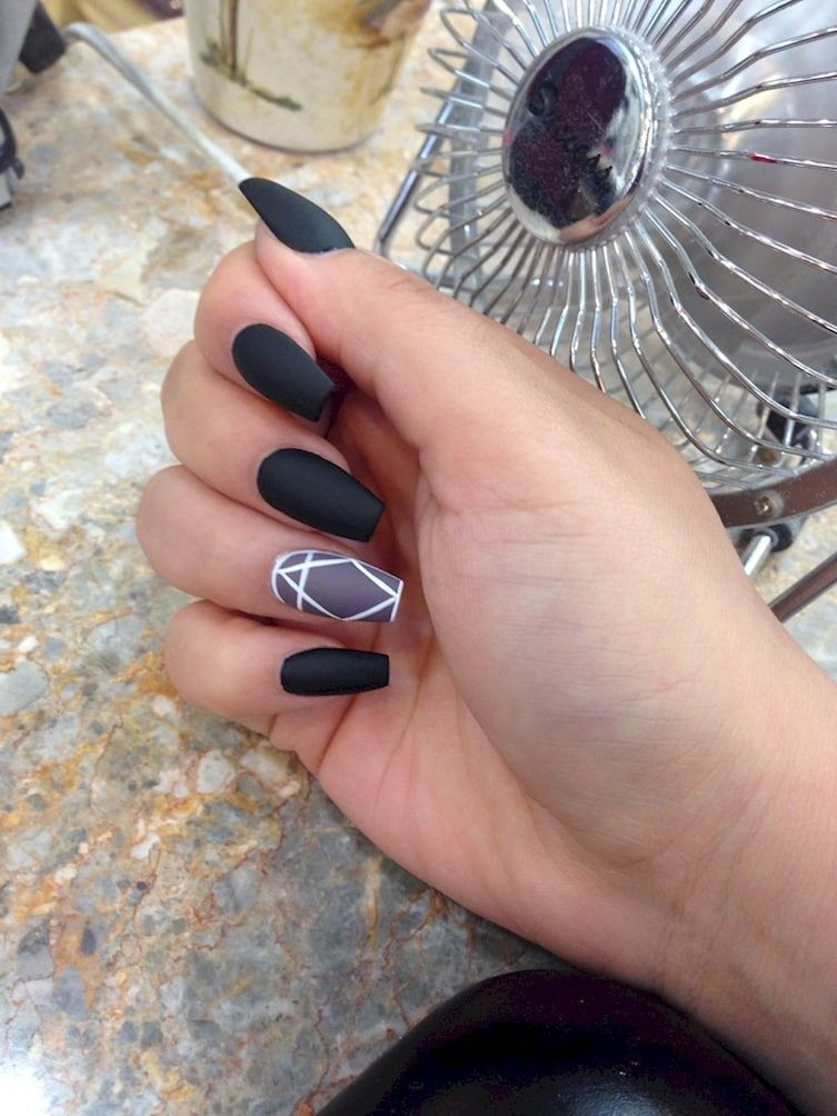 17 Manicures That Will Have You Mad About Matte | Accent nails ...