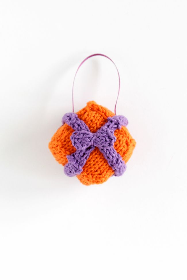 Knit Gift Box Ornament - 12 Ornaments of Christmas (With ...