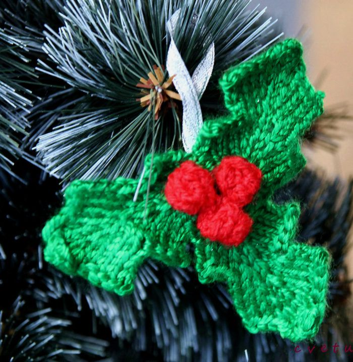 Free Knitting Pattern For Holly Ornament Knit Pinterest