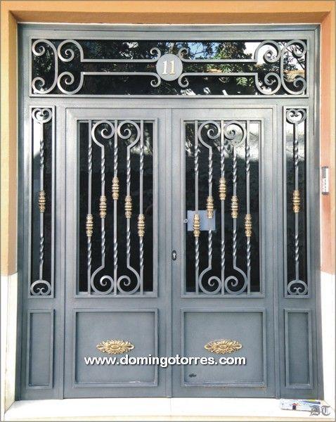 Pin by carlos tarulla on puertas pinterest patios - Puertas para garage ...