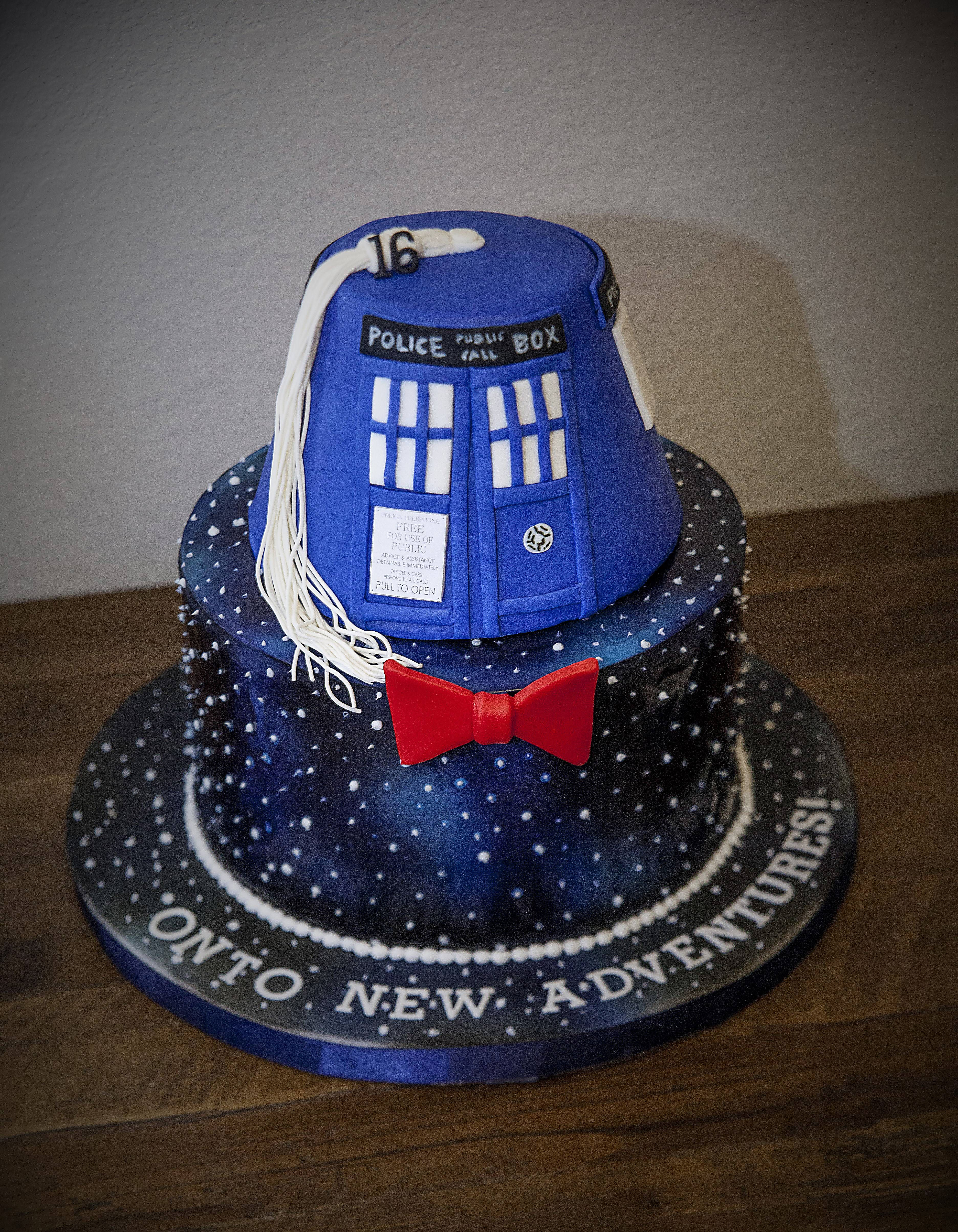 Awesome The Best Kind Of A Graduation Cake Doctorwho Cakes Doctor Who Funny Birthday Cards Online Alyptdamsfinfo