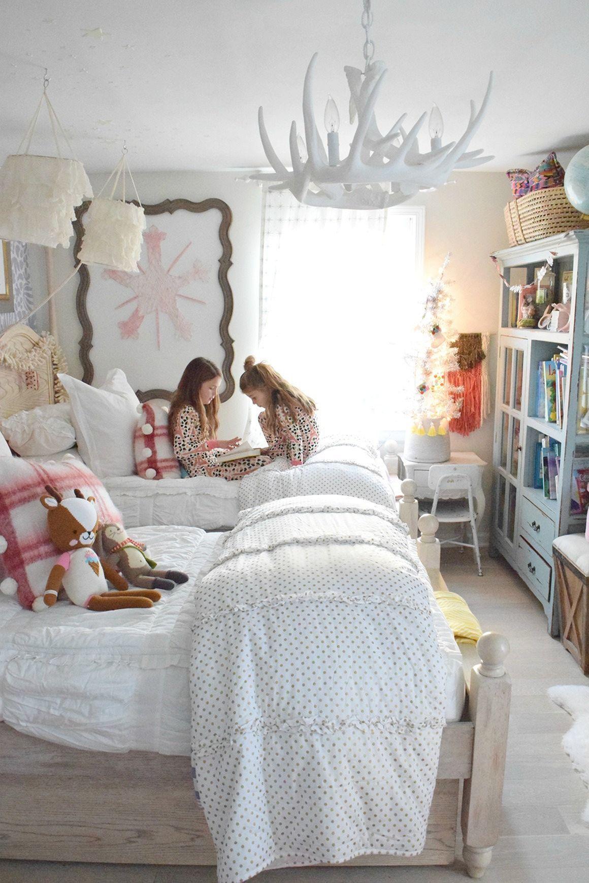 Marvelous 45+ Adorable Interior Themed Christmas Bedroom Decorating Ideas Httpsfreshouz