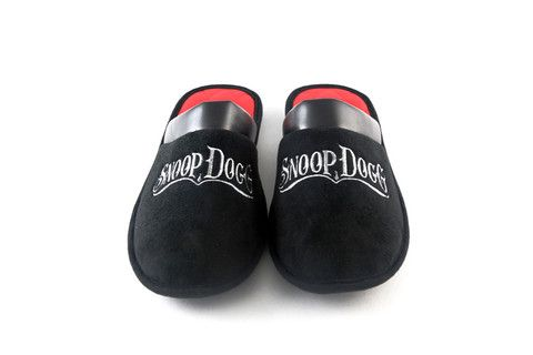 Idea By Rebecca Smith On Snoop Dogg Slippers Snoop Dogg Dogg Snoop
