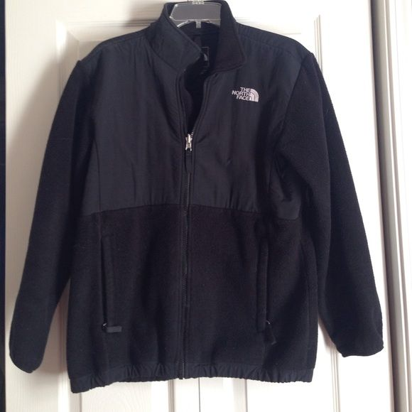 North face Denali jacket GUC. This is a kids XL but is equivalent to a women's small! North Face Jackets & Coats