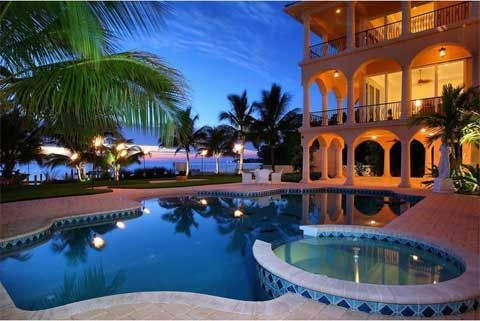 Dream House Modern And Luxury Dream House With Large Swimming Pool Around There Glamor Dream House With Elegance Design Luxury Dr