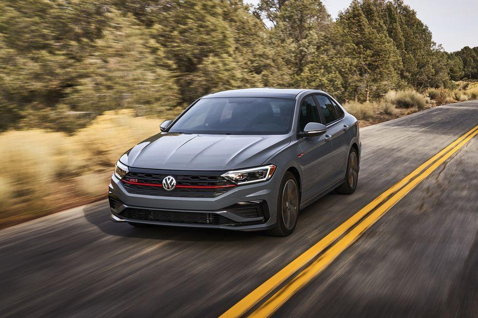 2021 Volkswagen Jetta Gli Review Pricing And Specs Volkswagen Jetta Volkswagen Jetta Gli