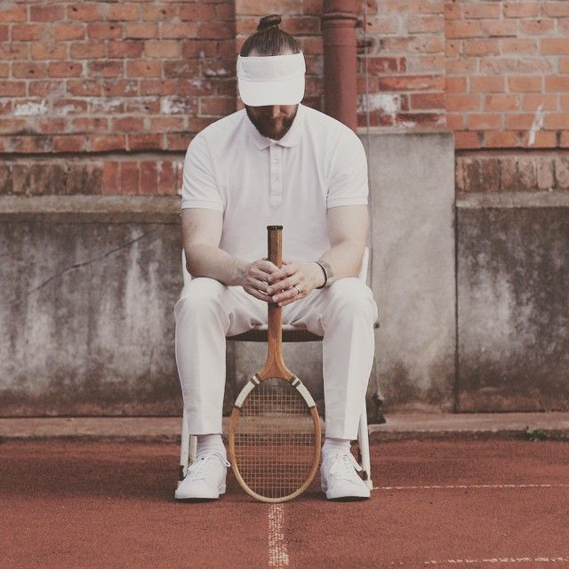 prepare yourself for the game tomorrow! MOËT & CAHANDON TENNIS POP-UP PARTY AT LE MÉRIDIEN VIENNA staring at 11am @lemeridienvienna more info at thelionheaded.com  photo by @ladyvenom  #moetchandon #moet #sponsoredpost