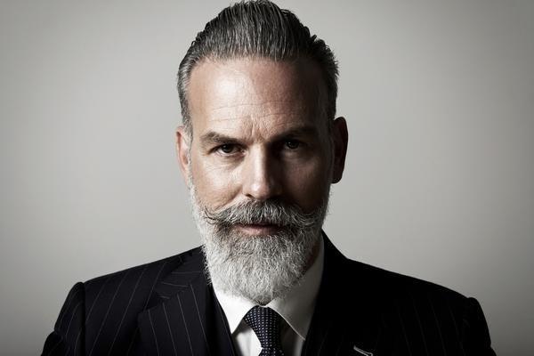 Картинки по запросу бородатый мужчина в костюме ...