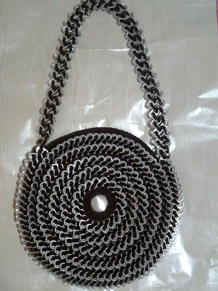 bolso con anillas | Metal Madness: Can Tab Crafts ♥ | Pinterest ...
