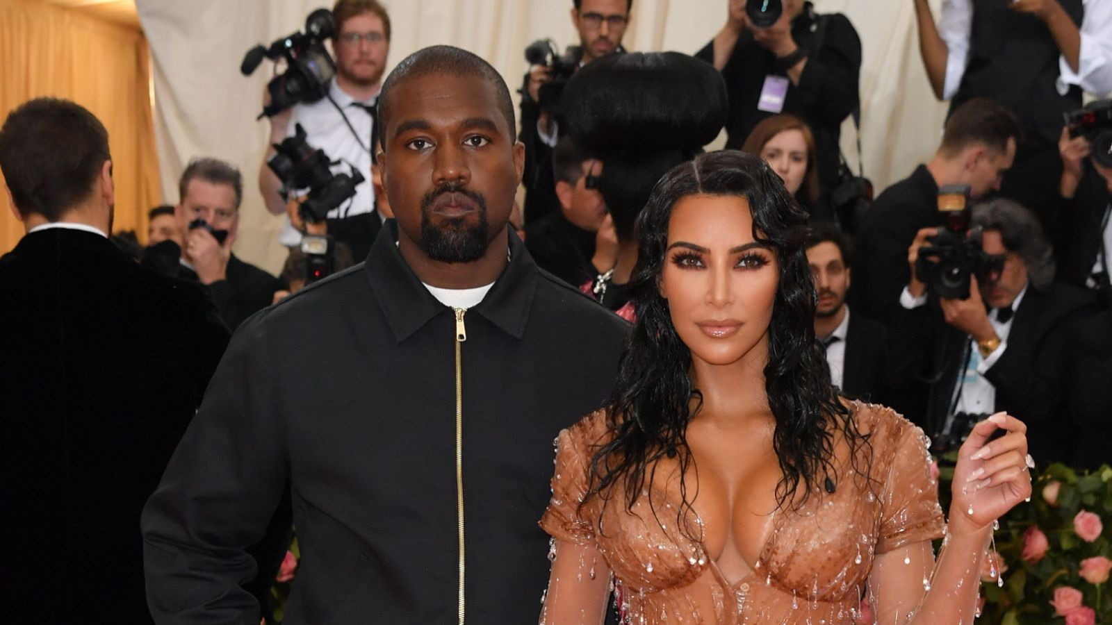 Kanye West Says He Has Been Trying To Divorce Wife Kim Kardashian West In 2020 Kim Kardashian And Kanye Divorce Wife Kanye West