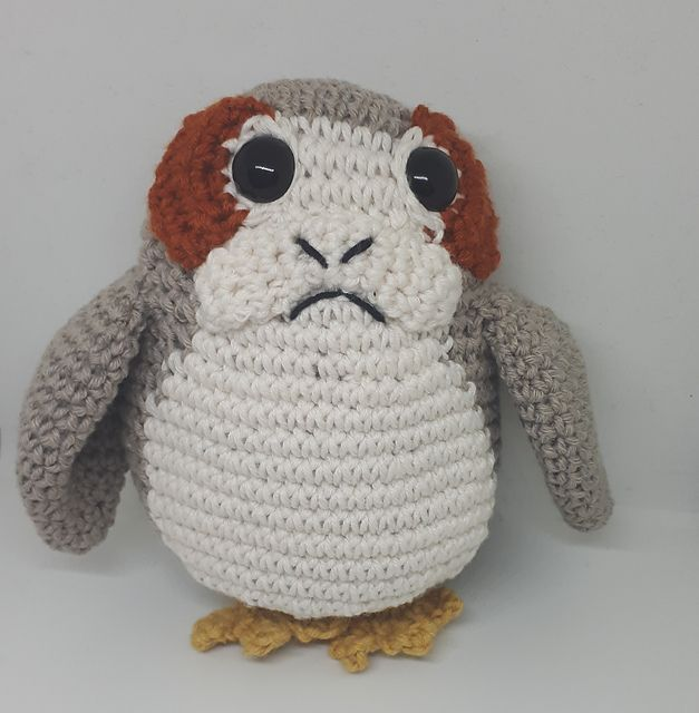 A pattern on how to make your own Porg from Star Wars VIII. | Sewing ...