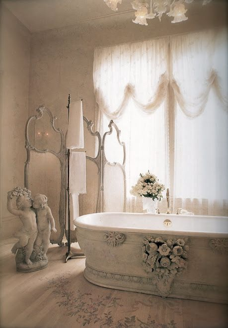 WANT WANT WANT THE 3 PIECE MIRROR SET & WANT TO REMAKE IT. I LOVE THE TUB DETAILING & OVERALL DECOR.