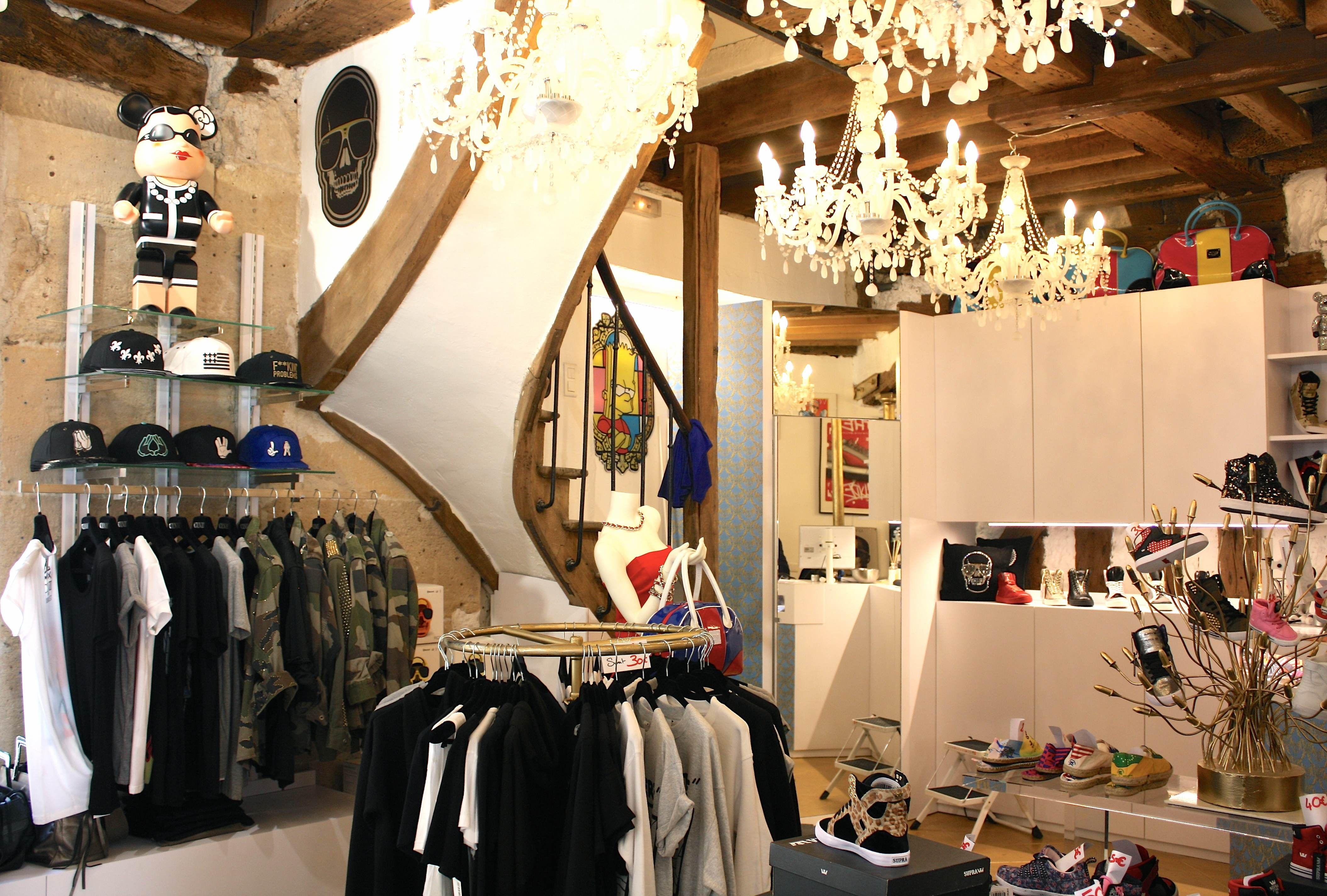 Intérieur de la boutique #CLVII #mode #homme #deco #streetwear | IT ...