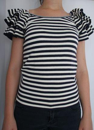 A vendre sur #vintedfrance ! http://www.vinted.fr/mode-femmes/t-shirts/16454762-petite-mariniere-en-maille-hm