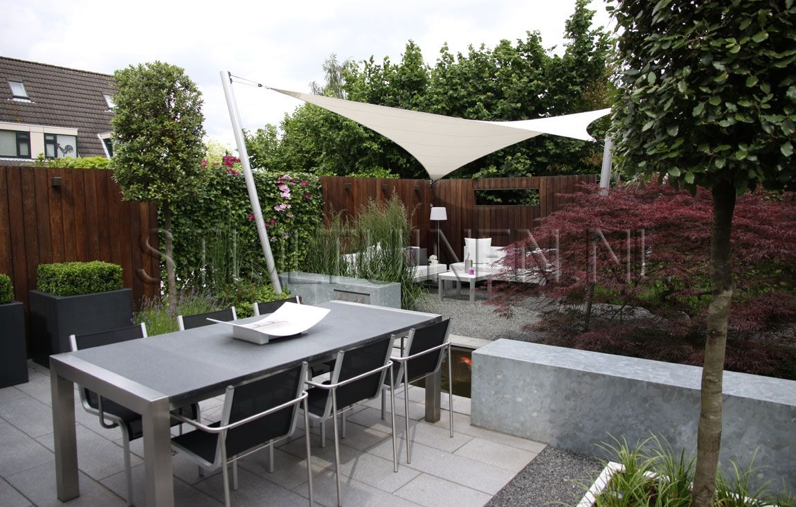 Kleine moderne tuin met japanse esdoorn google zoeken for Moderne waterpartijen tuin