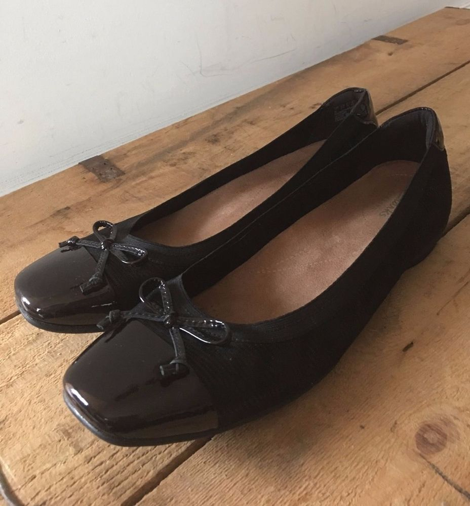 UK SIZE 7 WOMENS CLARKS ARTISAN LEATHER AND TEXTILE BALLET PUMP PATENT TOE  HEEL