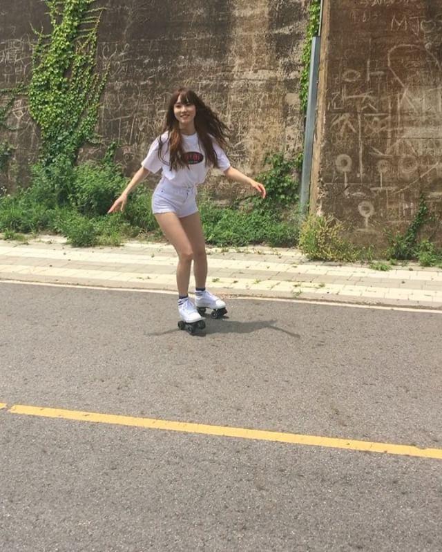 20. JUN. 2016. #여자친구 #GFRIEND #유주 #롤러스케이트 #rollerskating #뮤직비디오 촬영 날