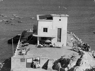 Imagen antigua de las instalaciones de la agrupación de San Amaro,El Club del Mar,abierto en 1935