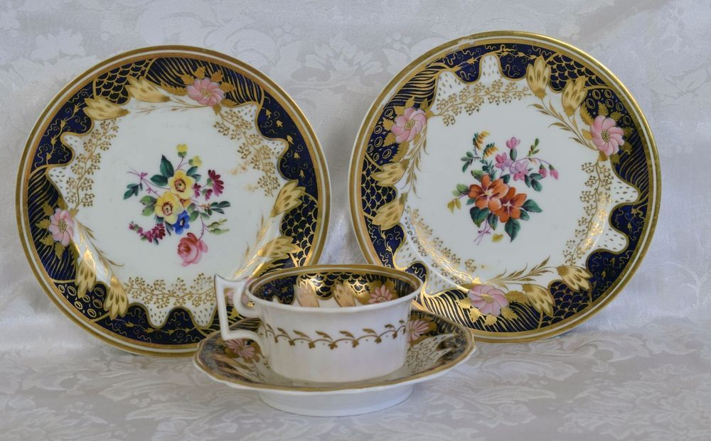 18th C Worcester Dr. Wall Period Tea cup saucer Plate flowers blue & white gold  #RoyalWorcester #DrWallperiod #worcester