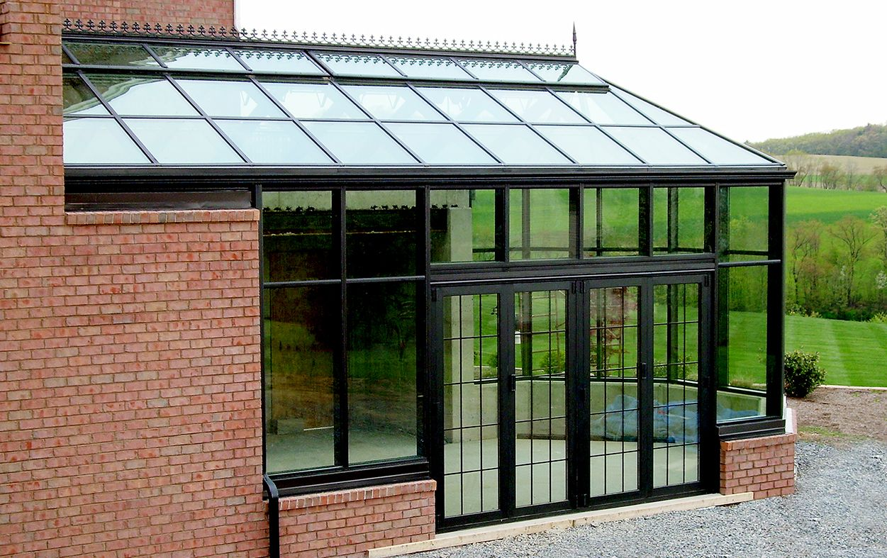 Pin By Satwant Sooch On Conservatories Sunrooms In 2020 Glass Wall Glass Roof Aluminium Doors