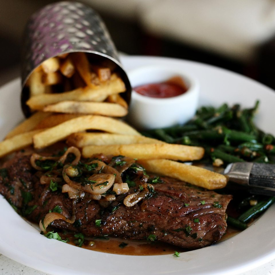 Bardot Claremont Ca Pan Seared 10 Oz Flank Steak Shallots Haricots Verts And Of Course Our Famous French Fries On The Menu It Steak Frites Steak Meals