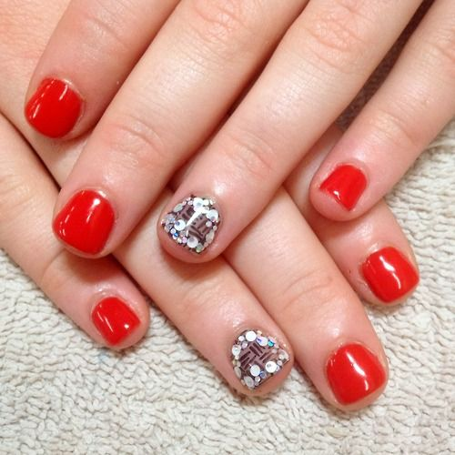 Nail Art Daun: Red Nails With Chocolate Accent Nails With Glitter