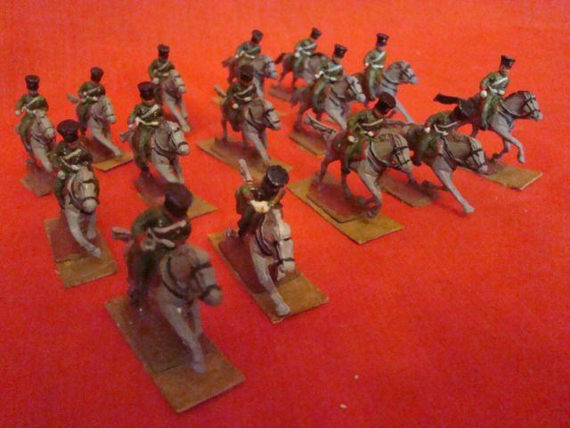 Lot de 15 cavaliers 1er empire en étain époque 19 éme - http://www.lesbrocanteurs.fr/annonce-antiquaire/lot-de-15-cavaliers-1er-empire-en-etain-epoque-19-eme/