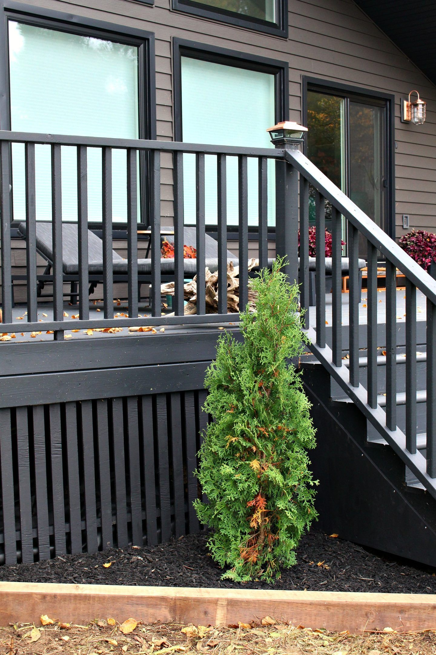 Modern DIY Vertical Slatted Deck Skirting (Sponsored by The Home Depot Canada) | Dans le Lakehouse