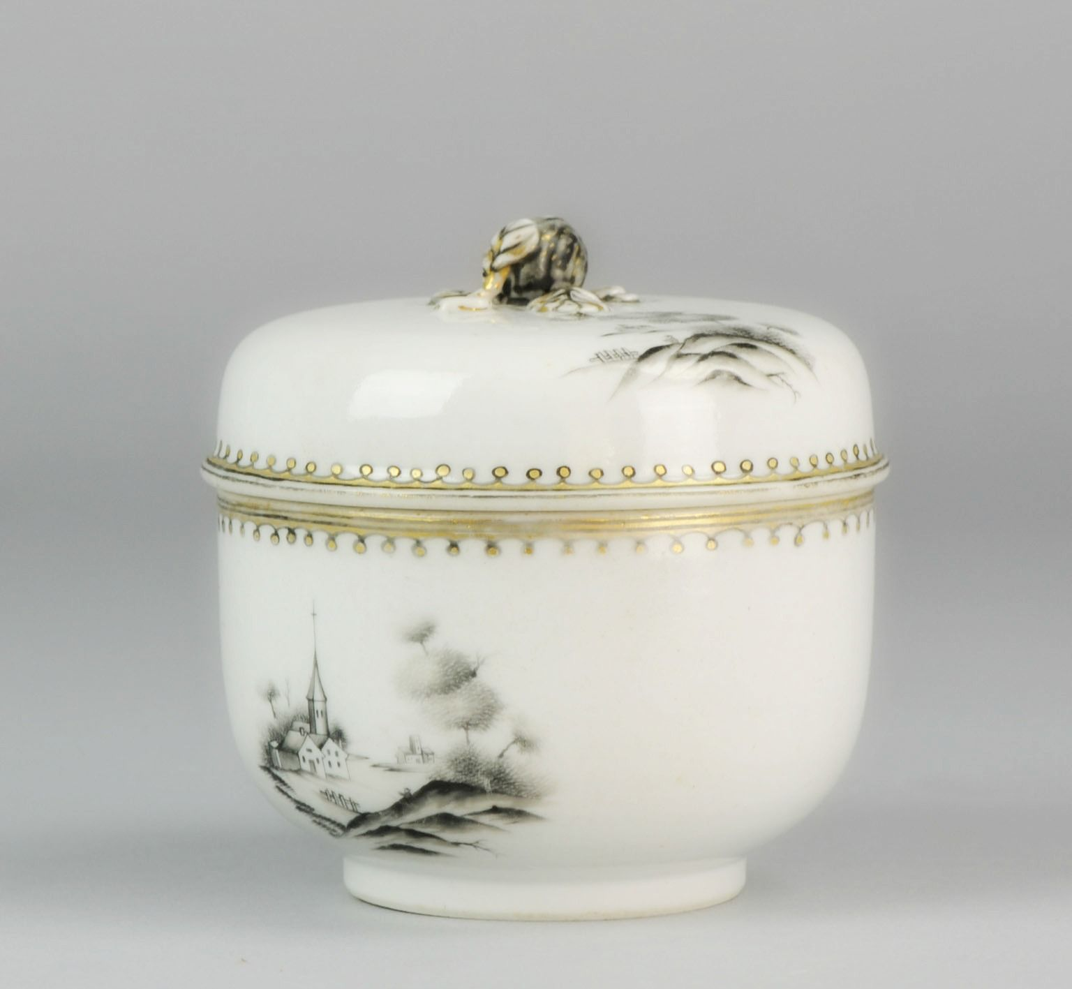 One of our latest finds. A rare and early Encre de Chine jar. Ca 1740. With a landscape scene of a church. Rare to find these type of lidded jars. For our followers only 900 euro. Free shipping. Will post closeups tomorrow.#antique #antiqueauction #antiquecollection #antiqueing #forsale #antiques #jesuit #mythological #blackandwhite #encredechine #Chineseart #qingdynasty #chineseporcelain #ChinesePottery #Oriental #sugarjar #teacaddies #teastuff #onetofollow #selling #chinaaddict #ch..