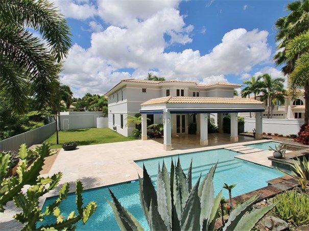 Single Family Home For Sale On Viajera Street Palma Real Estates Guaynabo Puerto Rico Caribbean Real Estate Luxury Real Estate Real Estate