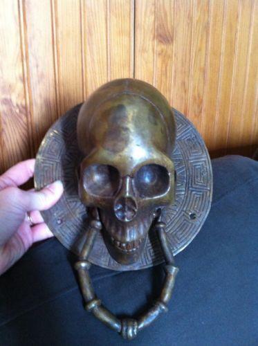 Immense-Et-Magnifique-Heurtoir-De-Porte-Tete-De-Mort-Skull-En-Metal