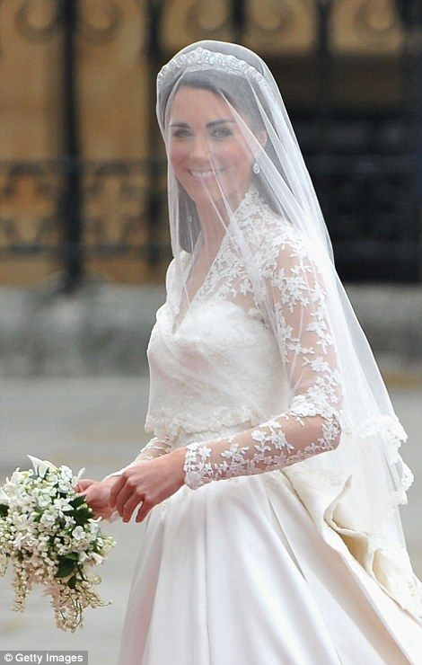 Pippa middleton enlists giles deacon for wedding dress for Giles deacon wedding dresses