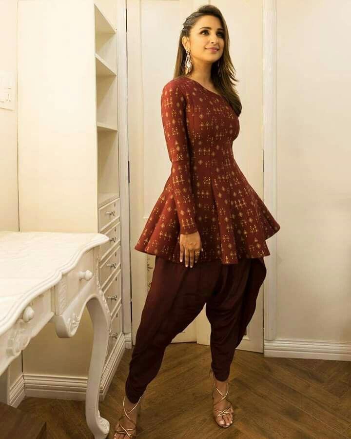 Pin By Payal Chheda On Parineeti Chopra Stylish Dress Designs Indian Fashion Dresses Kurti Designs Party Wear