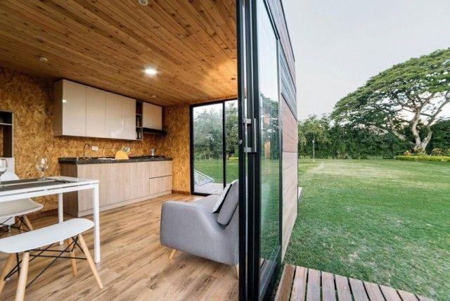 Maison en kit avec cuisine ouverte ©Colectivo Creativo | tiny house ...