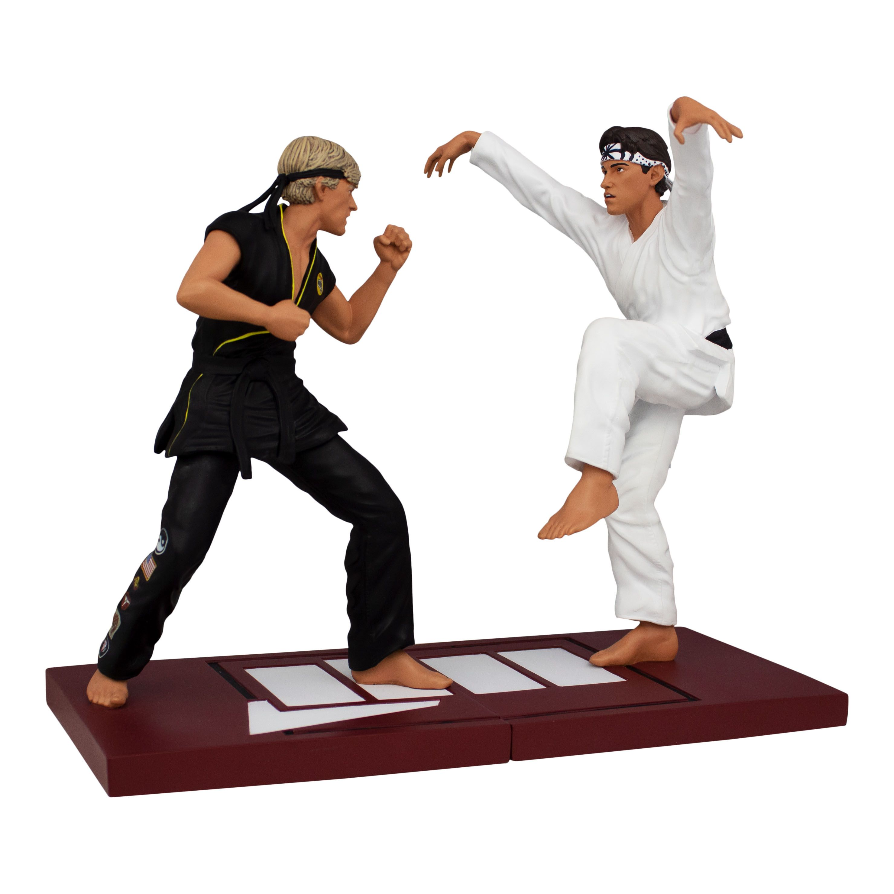 A New Statue Set Based On The Final Match From The Karate Kid Has Been Officially Revealed By Icon Heroes The Karate Kid To Karate Kid Karate Kid Movie Karate