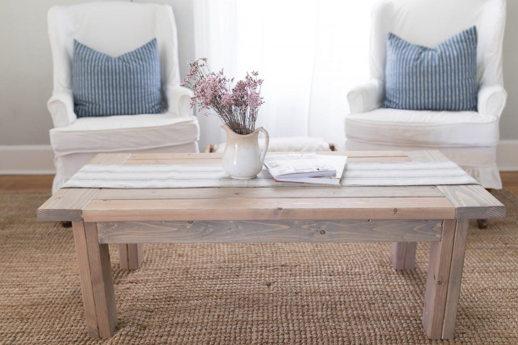 17 Diy Quilted Table Runner Ideas For All Year Round Homesthetics Inspiring Ideas For Your Home Table Runner Diy Contemporary Table Runners Quilted Table Runners Patterns