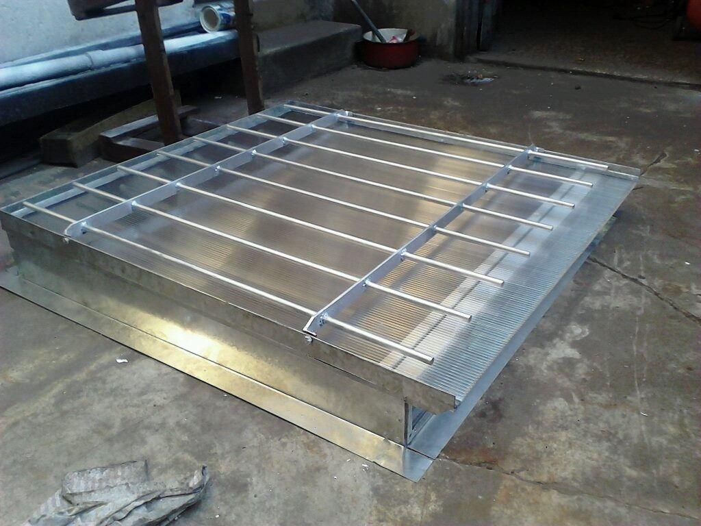 Claraboya 60x60 ventilacion policarbonato y reja google for Claraboyas para techos