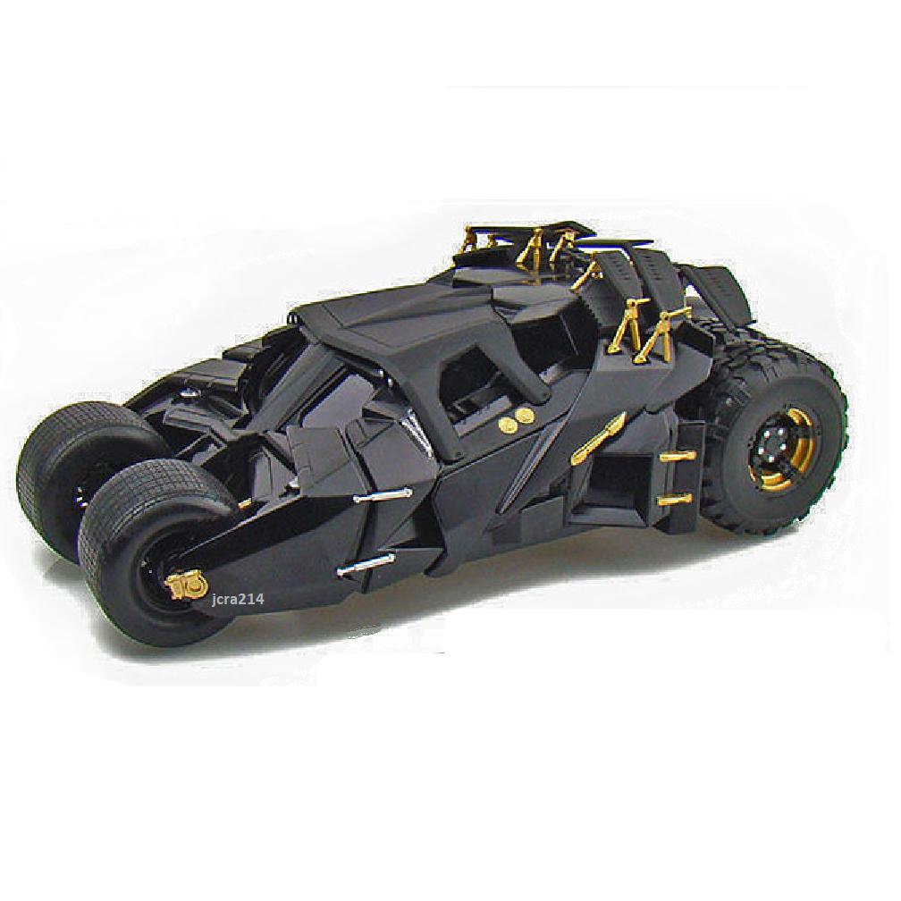 2008 The Dark Knight  Tumbler Batmobile With Batman Diecast Figurine 1 24 Model