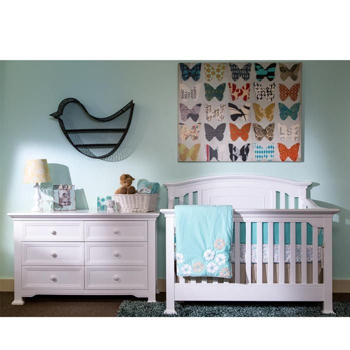 Medford Lifetime Convertible Crib And Dresser With Daybed
