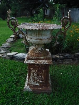 1880s KRAMER BROS ANTIQUE CAST IRON FLEUR DE LIS GARDEN URN 3ft ...