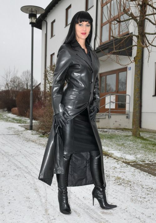Submissive woman in leather mcfarland
